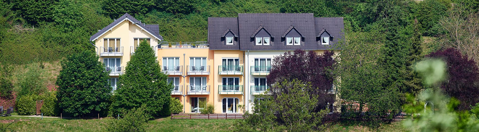 Header-Landhaus Außenansicht